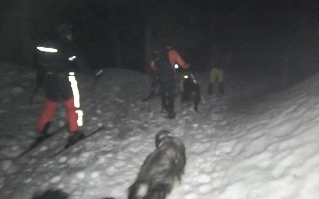 Hilfeleistung für zwei verirrte Schneeschuhwanderer